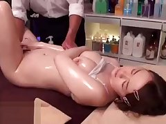 Japanese massage with 18yo cutie turned in sex