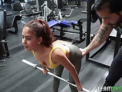 Horny sporty Evelyn Suarez gets poked in all directions the parking develop into after the gym